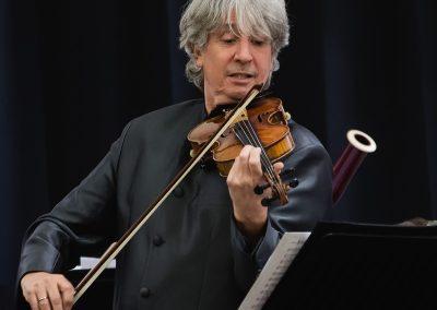 Russell McGregor mit seiner Geige am Neujahrskonzert in Mariazell