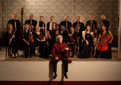 Russell mit seinem Orchester